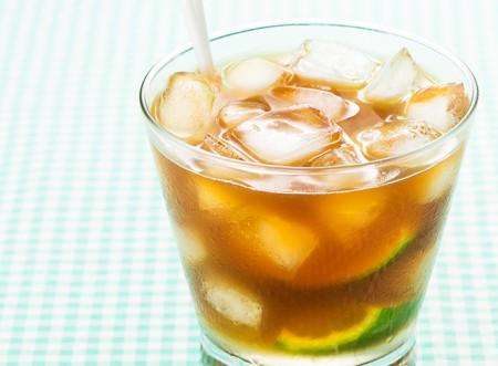 Este calor pede algo bem gelado. Receita de caipirinha de café!