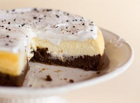 Que tal um brownie cheesecake de chocolate com café? Confira!