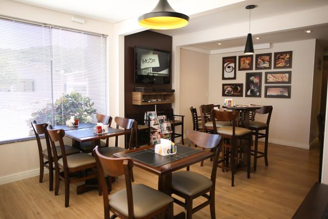 Iraci Cafeteria e Confeitaria (4)