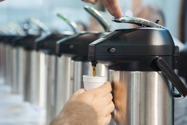 Os visitantes têm a oportunidade de provar e ajudar a eleger o café campeão do Coffee of the Year