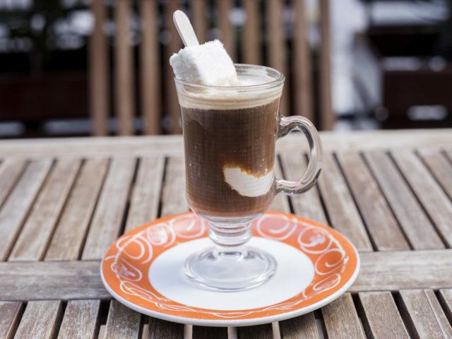cafezal-02Titanic - Espresso duplo Mantissa com picolé Dio Mio mergulhado - R$14,90